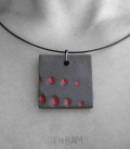 collier CERAMIQUE pois rouge