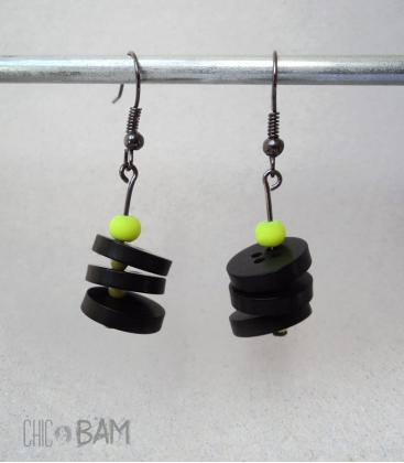 boucles BOUTONS noir / fluo
