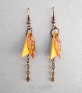 boucles triangles CUIR / plumes